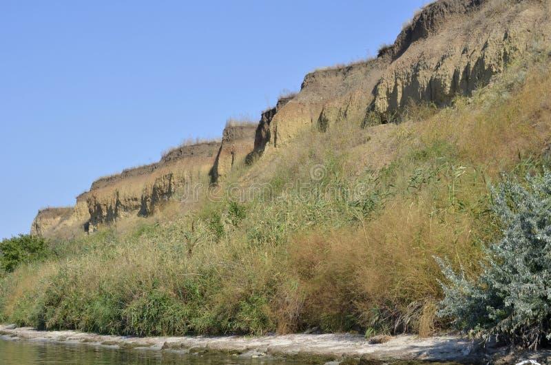 Οι απότομες όχθεις του ποταμού Περίπατος μια θερινή ημέρα Κάτω από επάνω στοκ εικόνα με δικαίωμα ελεύθερης χρήσης