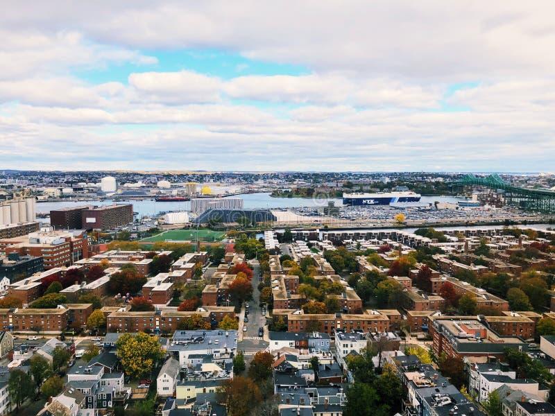 Οι απόψεις από την κορυφή του μνημείου Hill αποθηκών στη Βοστώνη στοκ φωτογραφία με δικαίωμα ελεύθερης χρήσης