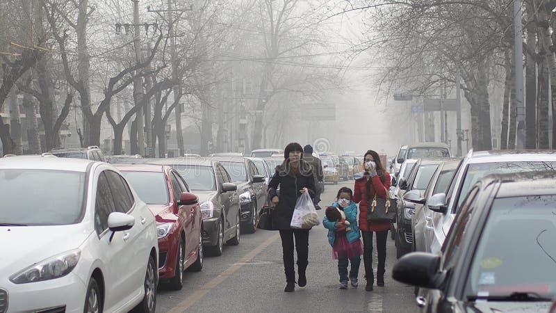 Οι αρχές του Πεκίνου ωθούν το άγρυπνο κόκκινο επίπεδο δεύτερης αιθαλομίχλης στοκ φωτογραφία με δικαίωμα ελεύθερης χρήσης