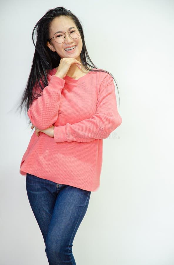 Οι ασιατικές γυναίκες χαμογελούν στοκ εικόνες