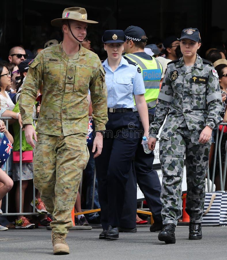 Οι αυστραλιανοί ανώτεροι υπάλληλοι στρατού συμμετέχουν στην παρέλαση στοκ φωτογραφίες με δικαίωμα ελεύθερης χρήσης