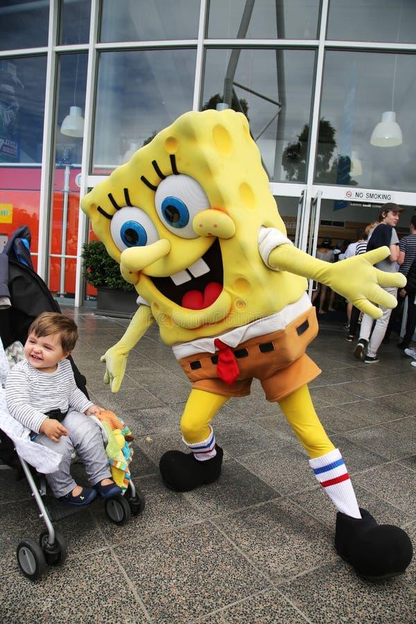 Οι αυστραλιανές ληφθείσες θαυμαστές εικόνες αντισφαίρισης με SpongeBob SquarePants κατά τη διάρκεια Αυστραλού ανοίγουν το 2016 στ στοκ φωτογραφίες