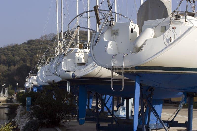 οι βάρκες ξεραίνουν στοκ φωτογραφίες
