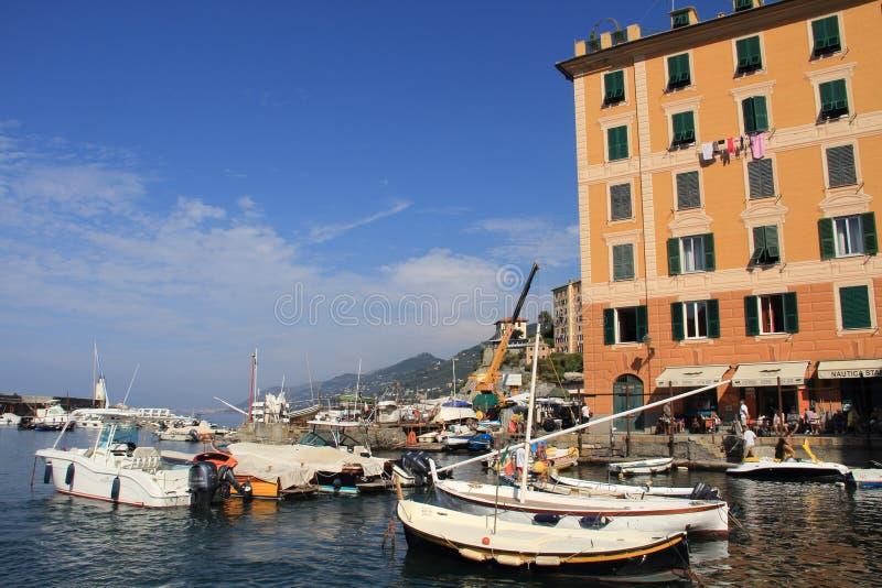 Οι βάρκες των ψαράδων Camogli στοκ εικόνες