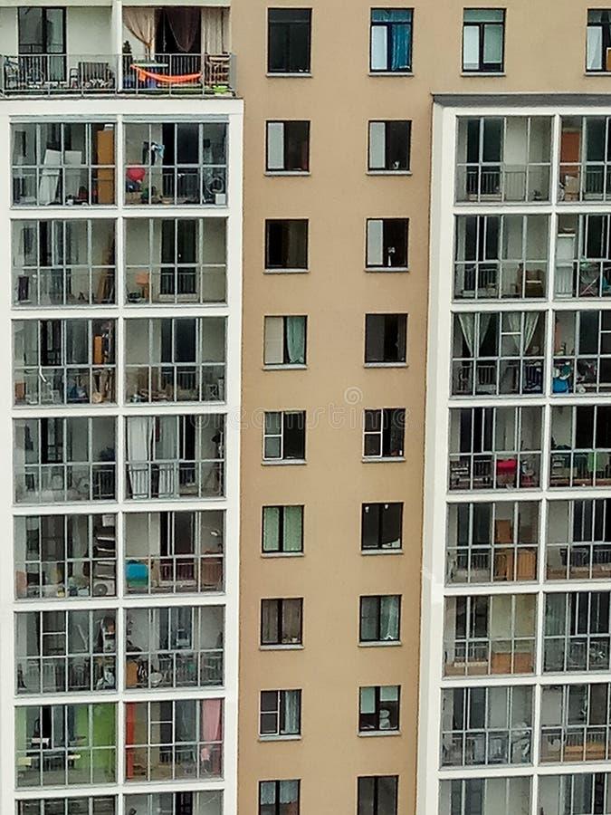Οι γείτονες σε μια πολυκατοικία στοκ εικόνες
