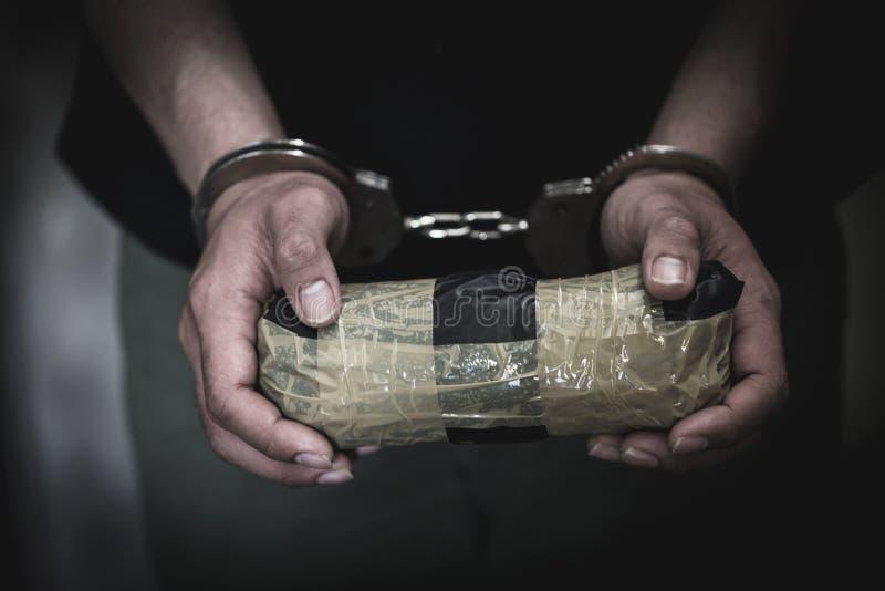 Οι διανεμητές ναρκωτικών συλλήφθηκαν μαζί με την ηρωίνη τους E στοκ φωτογραφίες