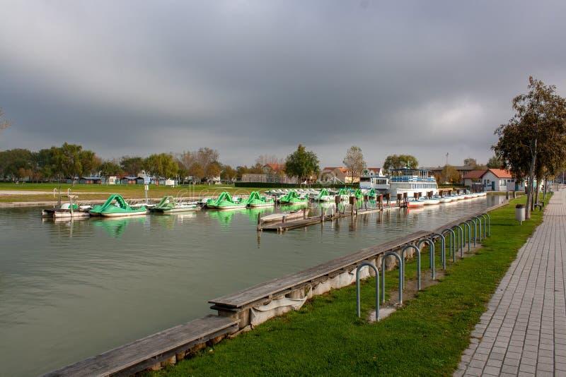 Οι εικόνες φθινοπώρου της λίμνης Neusiedler βλέπουν στοκ φωτογραφία με δικαίωμα ελεύθερης χρήσης