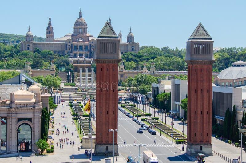 Οι ενετικοί πύργοι ανοίγουν το δρόμο στο MNAC Βαρκελώνη Ισπανία στοκ εικόνα