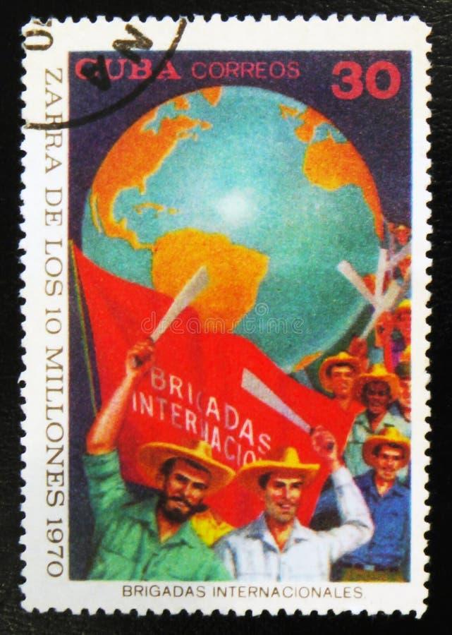 οι εργαζόμενοι, αφιέρωσαν στη συγκομιδή 10 εκατομμυρίων, circa το 1970 στοκ εικόνες με δικαίωμα ελεύθερης χρήσης