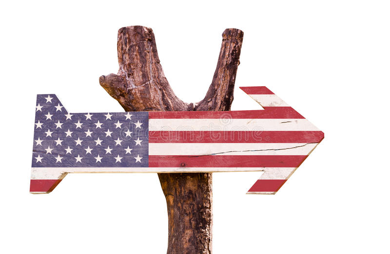 Οι Ηνωμένες Πολιτείες σημαιοστολίζουν το ξύλινο σημάδι απομονώνω στο άσπρο υπόβαθρο στοκ φωτογραφίες