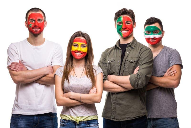 Οι θαυμαστές υποστηρικτών ομάδας ανθρώπων των εθνικών ομάδων χρωμάτισαν το πρόσωπο σημαιών της Πορτογαλίας, Ισπανία, Marocco, Ιρά στοκ εικόνα με δικαίωμα ελεύθερης χρήσης