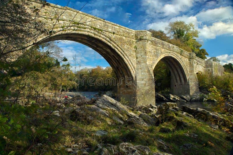 Οι διάβολοι γεφυρώνουν στο kirkby lonsdale στοκ εικόνα
