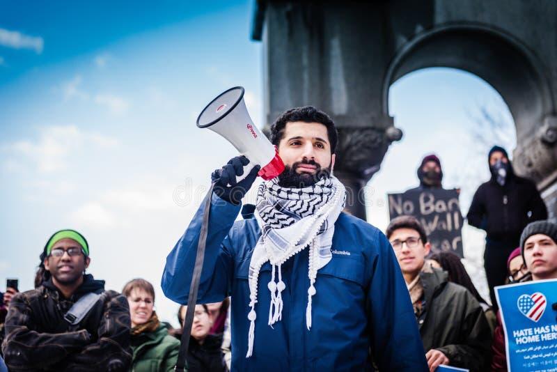 Οι διεθνείς σπουδαστές διαμαρτύρονται τη μουσουλμανική απαγόρευση - RPI - τρόυ, Νέα Υόρκη στοκ εικόνα