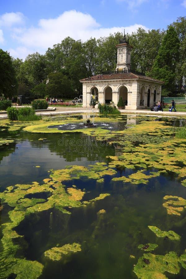 Οι ιταλικοί κήποι στο Χάιντ Παρκ στοκ φωτογραφίες