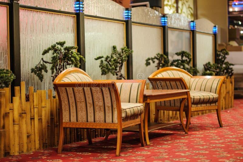 οι καναπέδες παρουσιάζουν δύο στοκ εικόνα με δικαίωμα ελεύθερης χρήσης