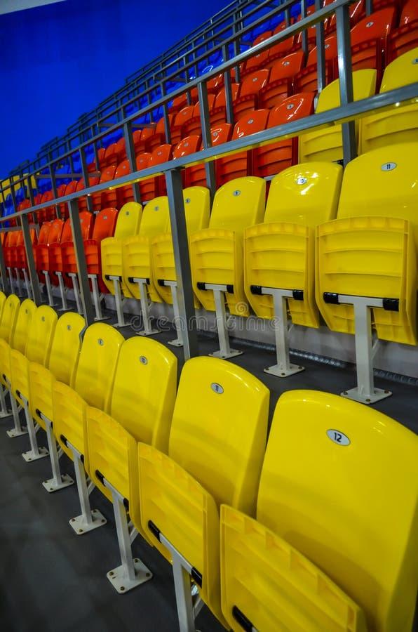 Οι καρέκλες στο στάδιο στοκ εικόνες