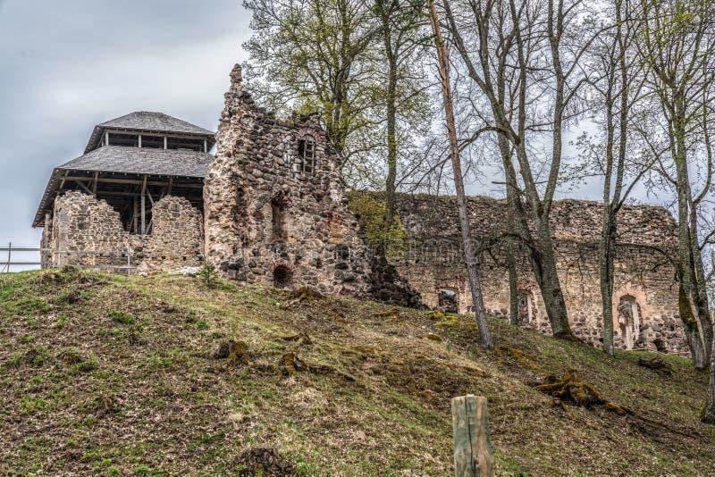 Οι καταστροφές Rauna Castle στοκ εικόνα