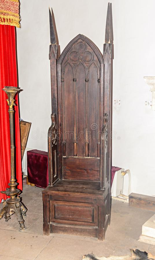 Οι λεπτομέρειες από το εσωτερικό δωμάτιο του Corvins Castle χτίζουν από το John Hunyadi, το trone στοκ εικόνες