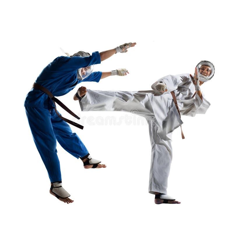 Οι μαχητές Kudo παλεύοντας απομονώνουν στοκ φωτογραφίες