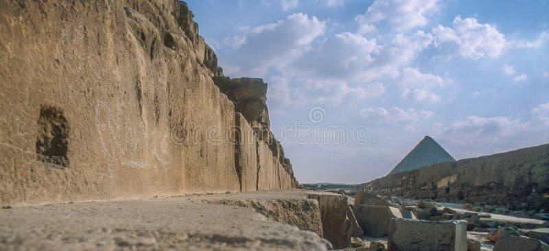 Οι μεγάλες πυραμίδες σε Giza στοκ φωτογραφίες με δικαίωμα ελεύθερης χρήσης