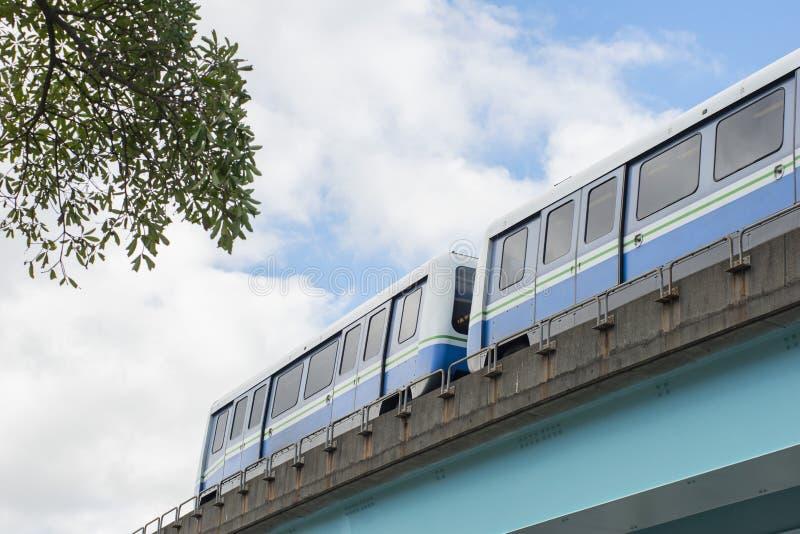 Οι μεταφορές στην αστική πόλη στοκ φωτογραφίες