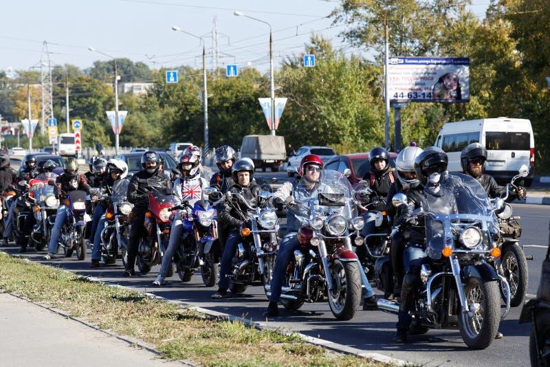 Οι μοτοσυκλετιστές στη συνεδρίαση αφιέρωσαν στο κλείσιμο της εποχής οδήγησης στοκ φωτογραφίες με δικαίωμα ελεύθερης χρήσης