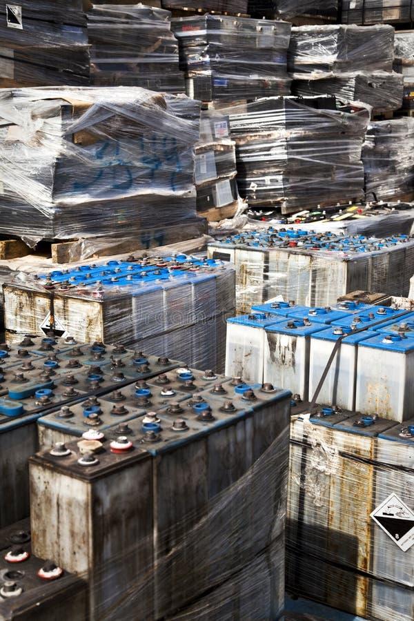 οι μπαταρίες είναι αυτο&kapp στοκ φωτογραφίες