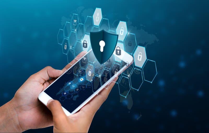 Οι ξεκλειδωμένοι επιχειρηματίες τηλεφωνικών χεριών Διαδικτύου κλειδαριών smartphone πιέζουν το τηλέφωνο που επικοινωνεί στο Διαδί στοκ εικόνα με δικαίωμα ελεύθερης χρήσης