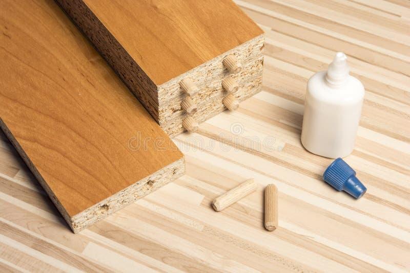 Οι ξύλινοι πίνακες στο πάτωμα στοκ εικόνα