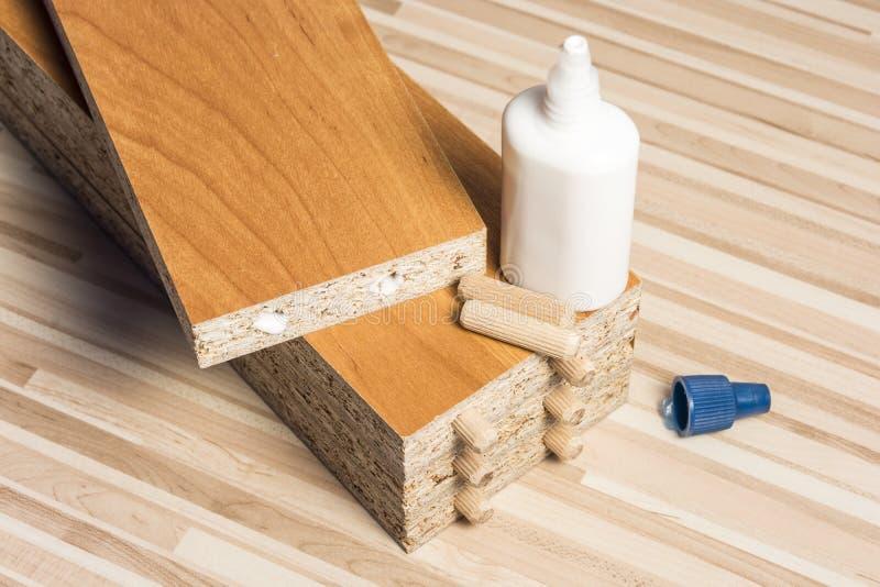 Οι ξύλινοι πίνακες στο πάτωμα στοκ εικόνες