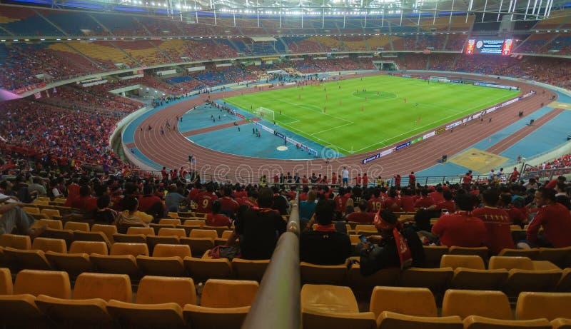Οι οπαδοί ποδοσφαίρου του Λίβερπουλ κατά τη διάρκεια LFC περιοδεύουν το 2015 στη Κουάλα Λουμπούρ, Μαλαισία στοκ φωτογραφίες