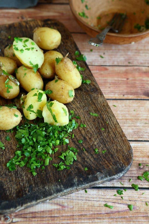 Οι πατάτες έβρασαν το σύνολο στοκ εικόνα με δικαίωμα ελεύθερης χρήσης