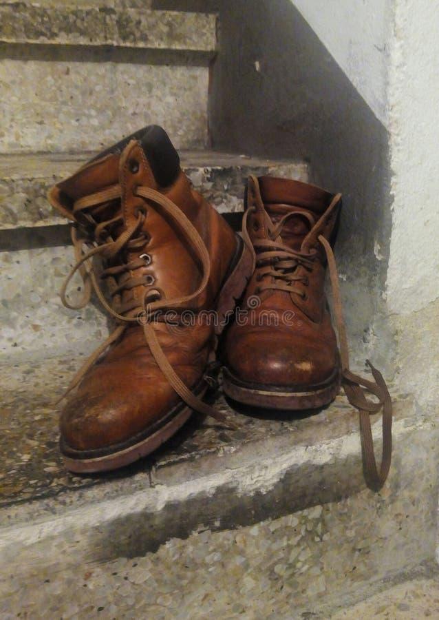 Οι παλαιές μπότες στοκ εικόνα