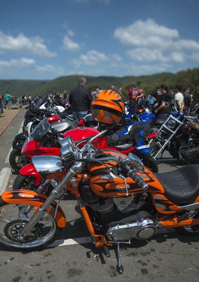Οι ποδηλάτες μηχανών ομαδοποιούν στοκ φωτογραφία