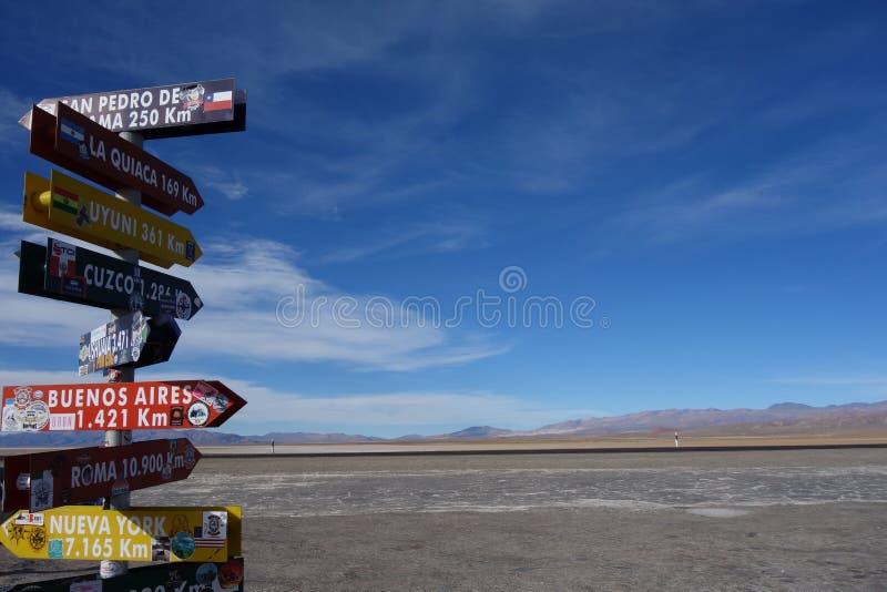 Οι πόλεις καλύπτουν - αλυκές grandes/μεγάλα salines - το salta & jujuy, Αργεντινή στοκ φωτογραφία