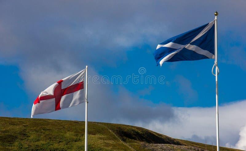 Οι σημαίες της Αγγλίας και της Σκωτίας στοκ φωτογραφία με δικαίωμα ελεύθερης χρήσης