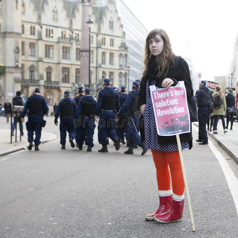 Οι σπουδαστές διαμαρτύρονται ενάντια στα δίδακτρα και τις περικοπές και το χρέος στο κεντρικό Λονδίνο στοκ εικόνες με δικαίωμα ελεύθερης χρήσης