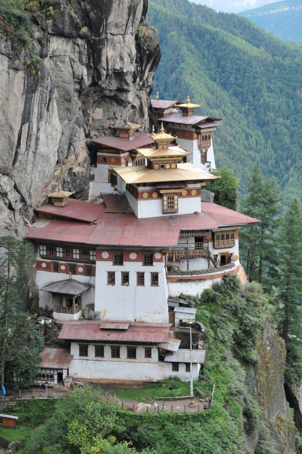 Οι τίγρες τοποθετούνται monastary σε Paro, Μπουτάν στοκ εικόνα