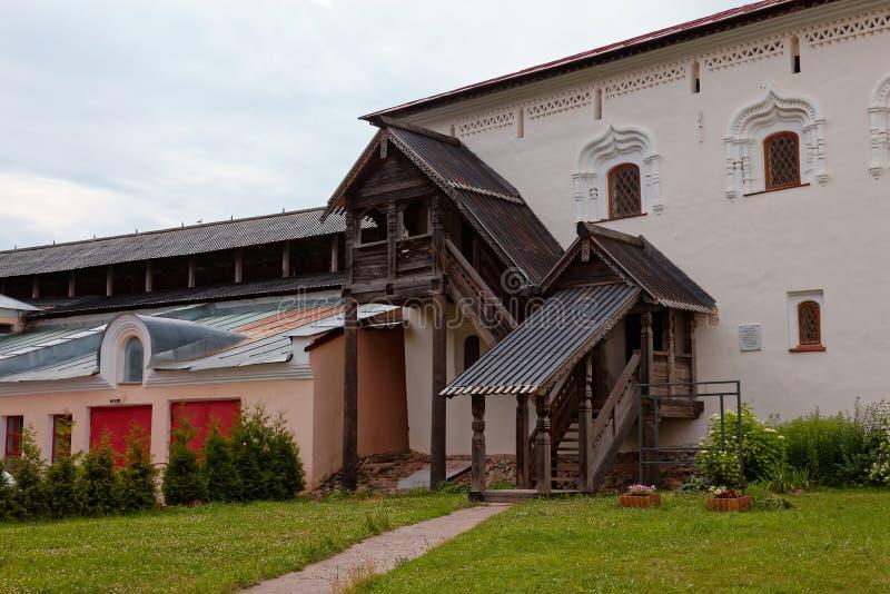 Οι τοίχοι της παλαιάς πόλης και οι πύργοι Veliky Novgorod, Ρωσία Ξύλινο μέρος στοκ εικόνες