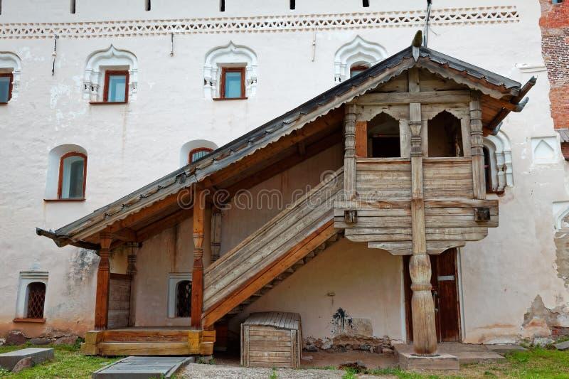 Οι τοίχοι της παλαιάς πόλης και οι πύργοι Veliky Novgorod, Ρωσία Ξύλινο μέρος στοκ φωτογραφίες με δικαίωμα ελεύθερης χρήσης