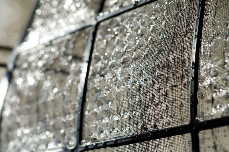 Οι τοίχοι φίλτρων αέρα καθαρίζονται στοκ εικόνες με δικαίωμα ελεύθερης χρήσης