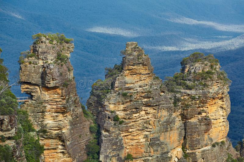 Οι τρεις αδελφές στα μπλε βουνά στοκ φωτογραφία με δικαίωμα ελεύθερης χρήσης