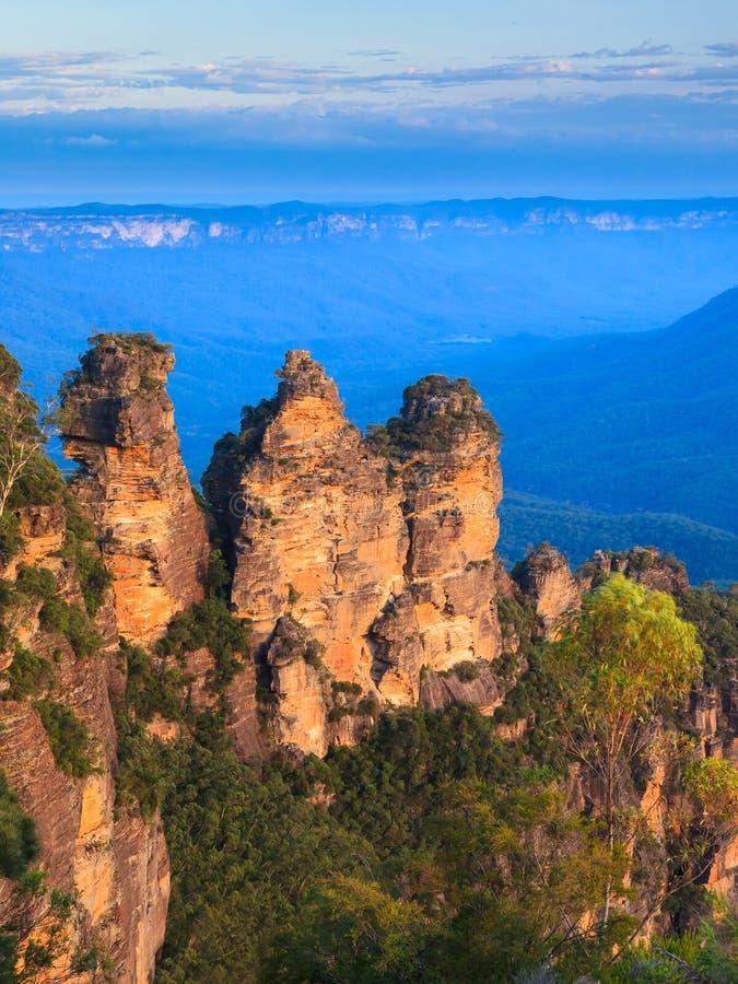Οι τρεις αδελφές από το σημείο ηχούς, μπλε εθνικό πάρκο βουνών, στοκ φωτογραφία με δικαίωμα ελεύθερης χρήσης