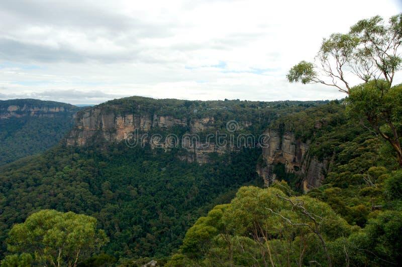 Οι τρεις αδελφές από το σημείο ηχούς, μπλε εθνικό πάρκο βουνών, NSW, Αυστραλία στοκ φωτογραφία με δικαίωμα ελεύθερης χρήσης