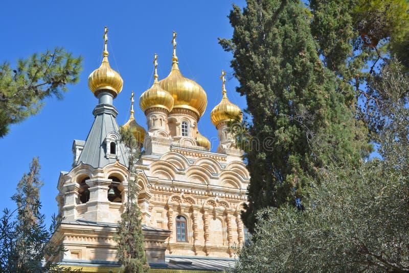 Οι χρυσοί θόλοι της εκκλησίας αφιερώνονται στη Mary Magdalene στοκ φωτογραφία