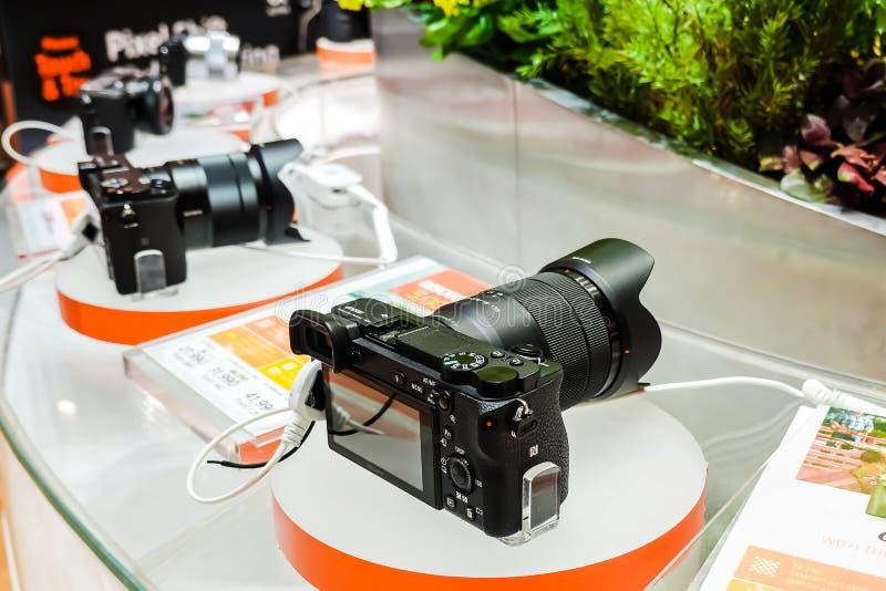 Οι ψηφιακές σειρές της Sony επιδεικνύουν και πώληση στο κατάστημα ηλεκτρονικής της Sony, στο Σιάμ paragon στη Μπανγκόκ, Ταϊλάνδη στοκ φωτογραφία με δικαίωμα ελεύθερης χρήσης