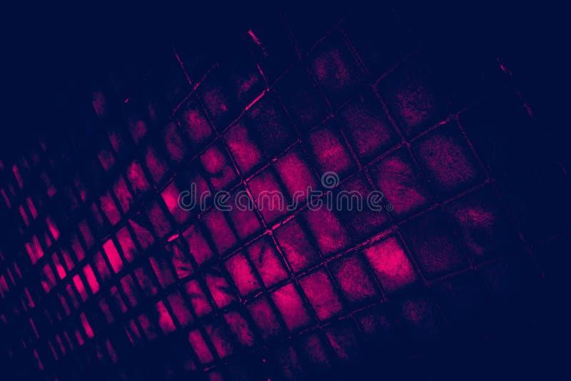 Οι όμορφες συστάσεις κινηματογραφήσεων σε πρώτο πλάνο αφαιρούν τα κεραμίδια και το σκοτεινές μαύρες ρόδινες υπόβαθρο τοίχων σχεδί στοκ φωτογραφίες