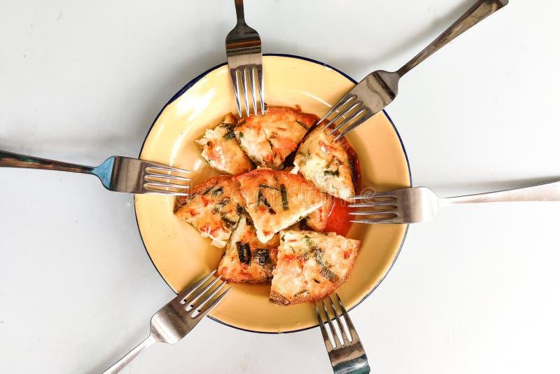Οι cucur udang ή prawn fritters είναι δημοφιλή πεντανόστιμη λιχουδιά της Μαλαισίας στοκ εικόνες