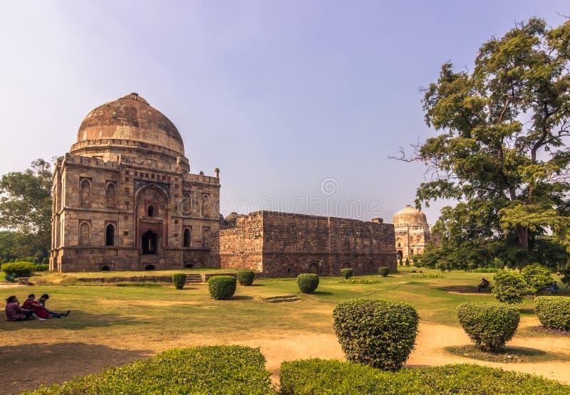 27 Οκτωβρίου 2014: Μουσουλμανικό τέμενος στους κήπους Lodi στο Νέο Δελχί, Ινδία στοκ εικόνα