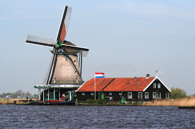 Ολλανδικοί ανεμόμυλοι σε Zaanse Schans στοκ φωτογραφία με δικαίωμα ελεύθερης χρήσης